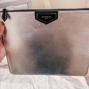 Givenchy Antigona Clutch Large